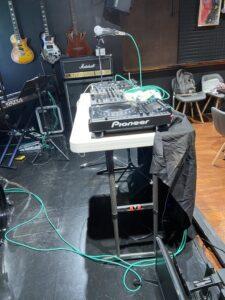DJ機材サイド